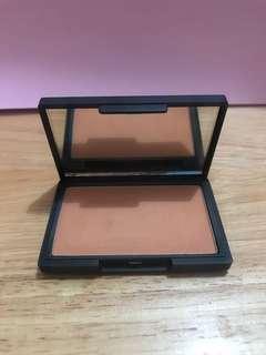 Sleek Makeup blush in Suede