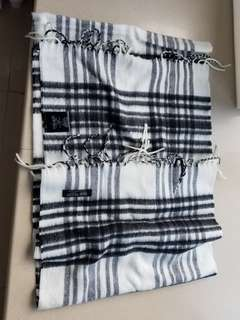 Beams scarf