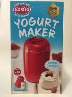 Easiyo Yogurt Maker (+ FREE Yogurt pack)