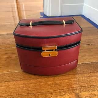 JEWELLERY BOX RED LEATHER LOCK & KEY PULL OUT DRAWERS