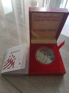 1994 $5 Silver Proof International Year of Family