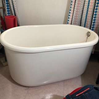 Spa Bathtub 120cm x 70cm x 60cm