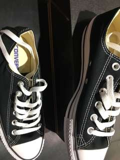 Convers 帆布鞋