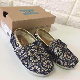 EUC Tom's Shoes
