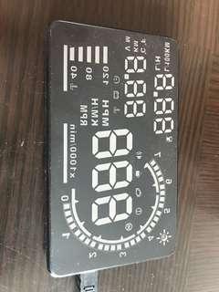 A8 HUD OBD 行車電腦數字顯示