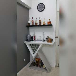 Bar table (white and grey)