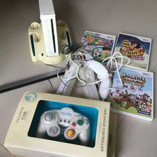 Wii Console w Accessories And Games