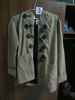 #畢業兩百元出清 牛角扣外套