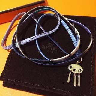 全新愛馬仕 2018 法國總店 限量 絲巾 手繩 灰色 藍色 主色