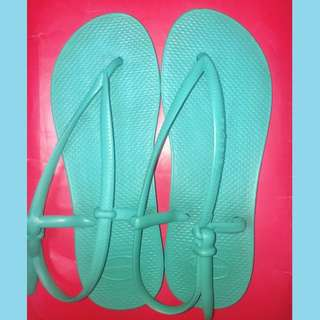•turquoise havaianas