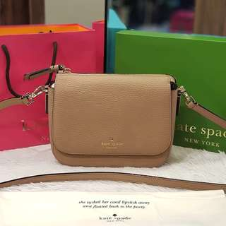 BRAND NEW KATE SPADE SMALL BARI LEATHER FLAP CROSS BODY BAG ❤️BIG SALE P21k ONLY❤️ Complete with box dustbag paperbag Swipe for detailed pics
