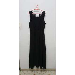 Forever 21 Black Open Back Lace Maxi Dress