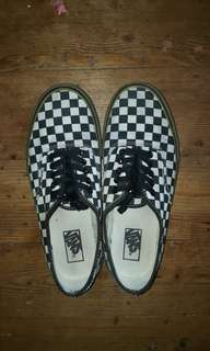 Vans Checkboard Gum Plimsolls in Black