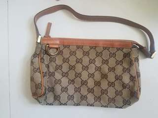 Gucci clutch bag classic 款8成新