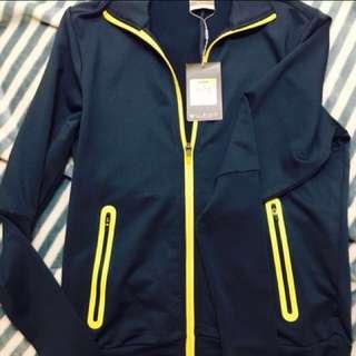 NIKE Women's Jacket and ADIDAS Triple Black Cloudfoam Lite Racer
