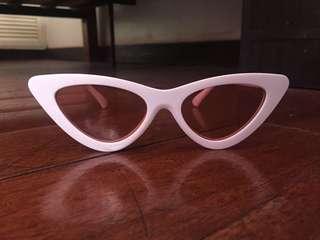 Trendy shades!!