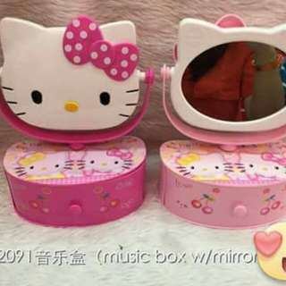 Hello Kitty Music Box w/Mirror