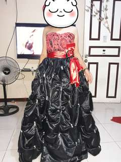 Ball gown black/red