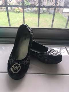 Michael Kors MK Black Flats Size 1