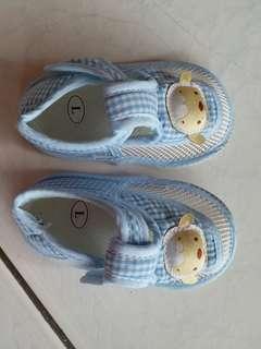 🚚 透氣網室內學步鞋