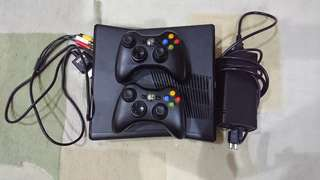 Xbox 300 500gb free bag and game