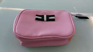 CLINIQUE  粉紅色化妝袋 ( cosmetic bag )
