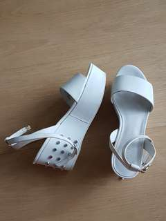 ORI-CHARLES AND KEITH-white wedges