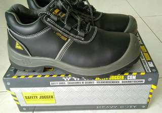 Almost NEW ESD Safety Shoes