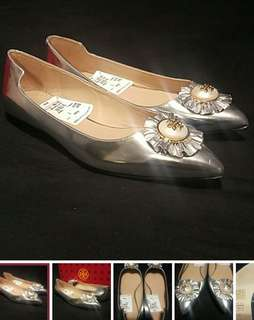 Brand New Tory Burch Silver Flats