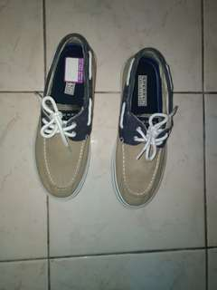 Sperry Topsider size 8