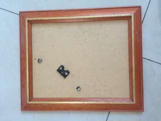 bingkai kaca kayu