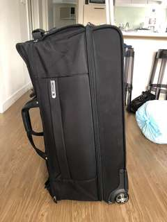 Large travel bag - brand new from Delsey