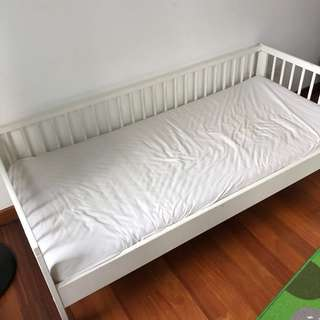 FREE BLESSING Ikea Junior Bed