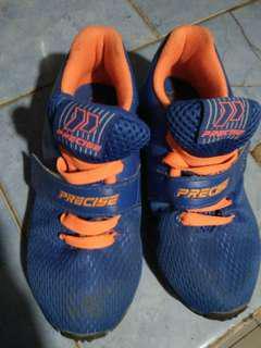 #momjualan sepatu anak precise ori