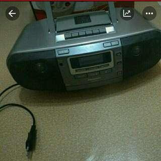 Radio and CD playet