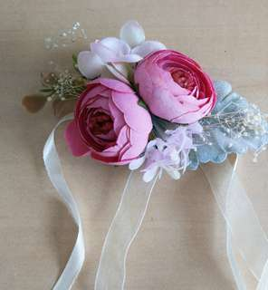 🚚 Wedding wrist corsages for bridesmaid
