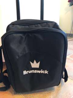 brunswick bowling bag(1 ball bag with rollers) it is in very good condition!!