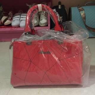 •brandnew• Red Handbag with Sling