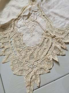 Vintage Cotton Lace Looped Table Cloth