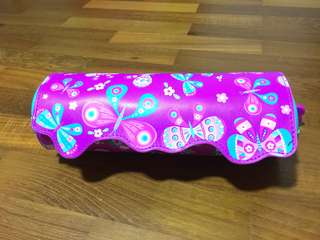 [NEW] Smiggle Girl's Roll Out Pencil Box