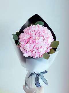 #052 Pink Hydrangea Bouquet