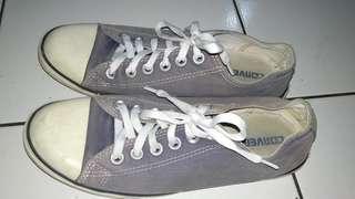 Sepatu converse cewe