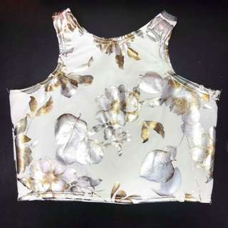 FLORAL CROP TOP IN WHITE FITS XS TO MEDIUM