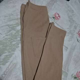 Uniqlo Jeggings Maternity Pants (Brown)