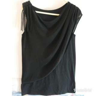 🔥全新Black Top. 🎉款式特别!針織料有彈性+部份雪紡 ,size:   胸44cm~ 腳闊45~衫長66  如需郵寄,順豐到付