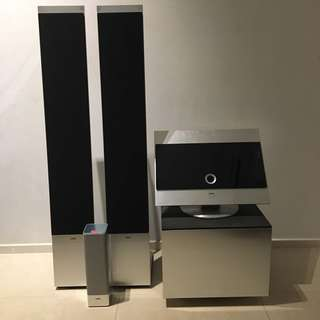 Loewe Reference entertainment system