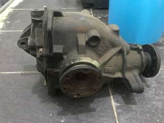 BMW E46 Rear Gear Box Differential Axle 2.0