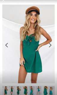 Verge girl green dress