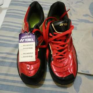 Yonex sepatu sport