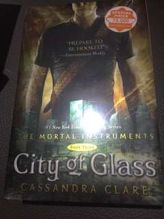 The Mortal Instrument: City of Glass (English)